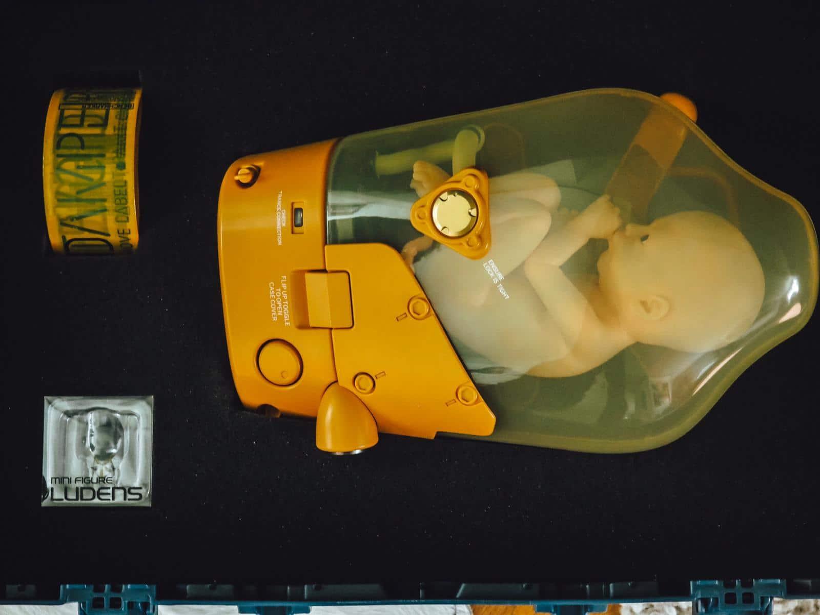 Heute bekommt ihr ein Unboxing der Death Stranding Collectors Edition mit cooler BB Kapsel-Lampe und stliyschem Ludens-Schlüsselanhänger auf dem Gamer Blog