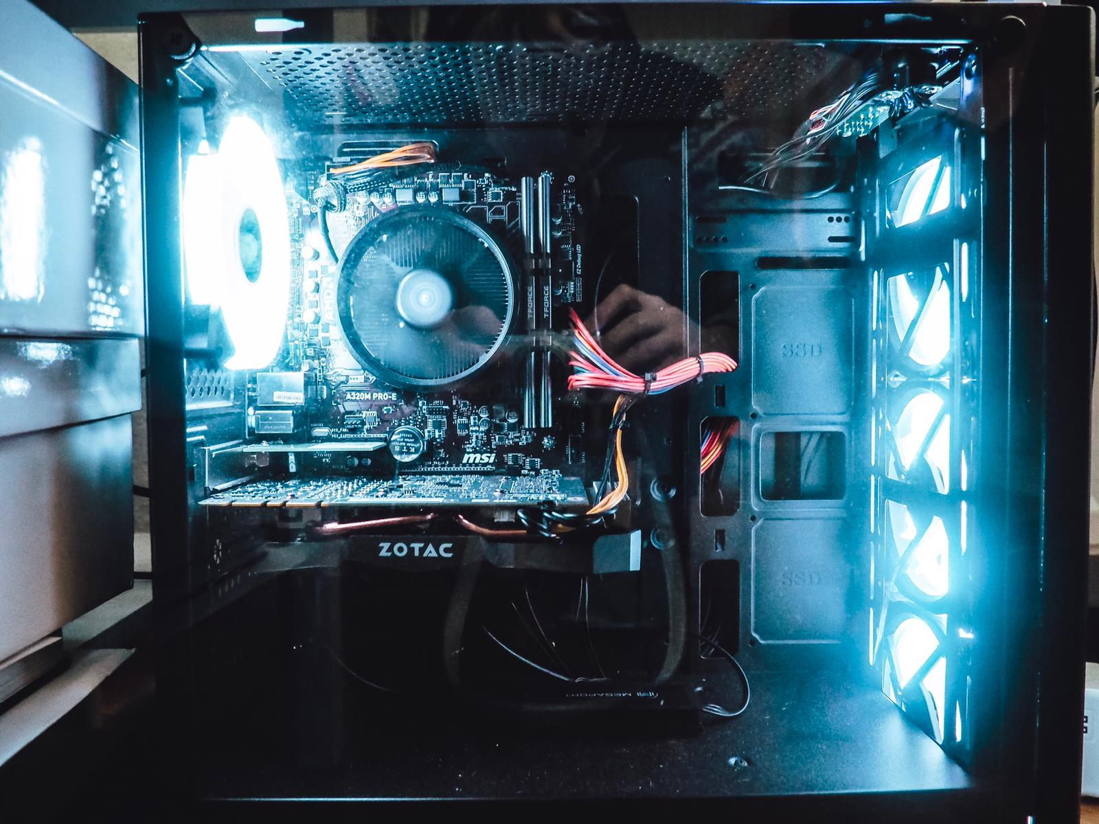 Megaport liefert mit seinem Gaming PC Komplettset ein solides Set für alle Hobby-Gamer und PC Games Fans. Review heute auf dem Gamer Girlz Blog ☆