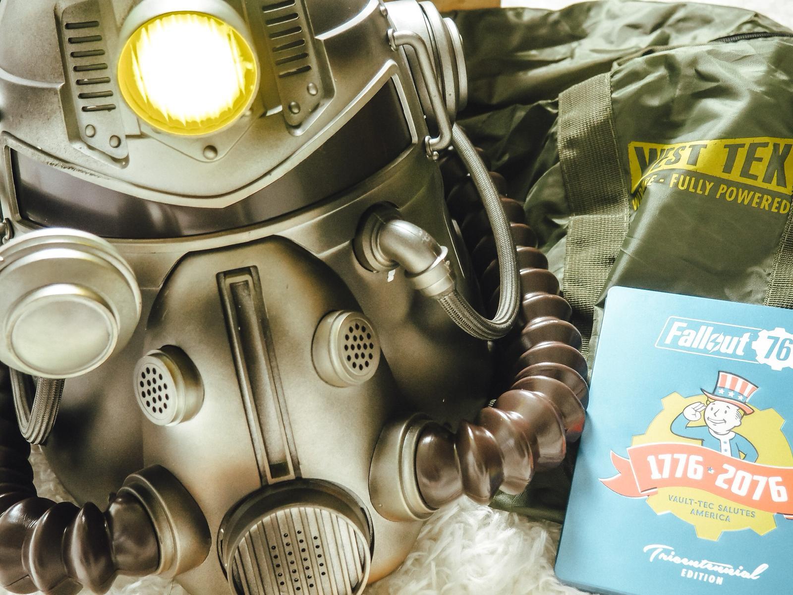 Fallout 76 Power Armor Edition mit Steelbook, Helm uns Tasche.