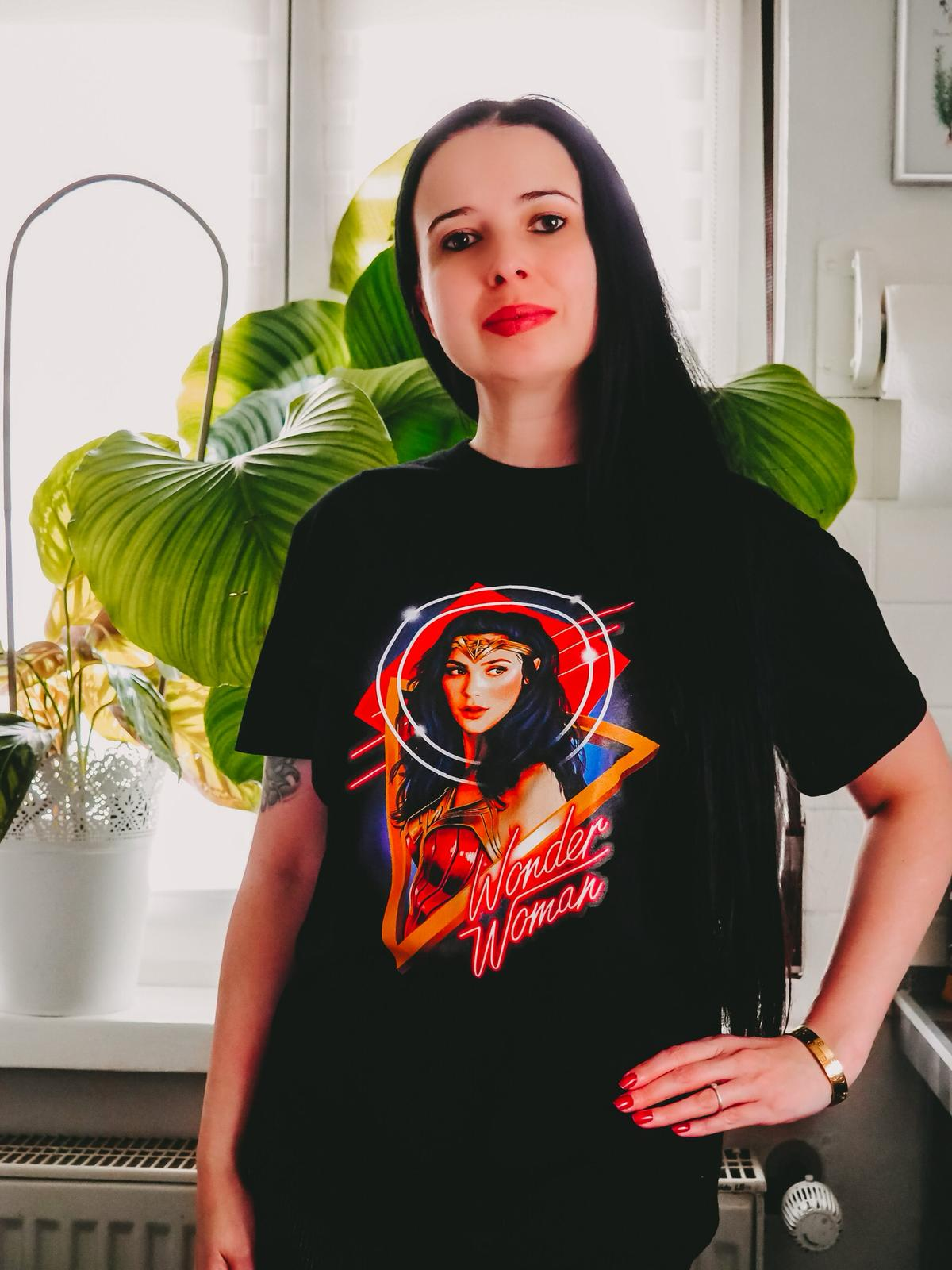 Neue Kollektionen von Zavvi -Wonder Woman T Shirt