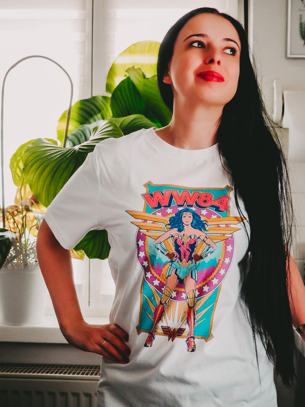 Neue Kollektionen von Zavvi - Wonder Woman Shirt in weiß